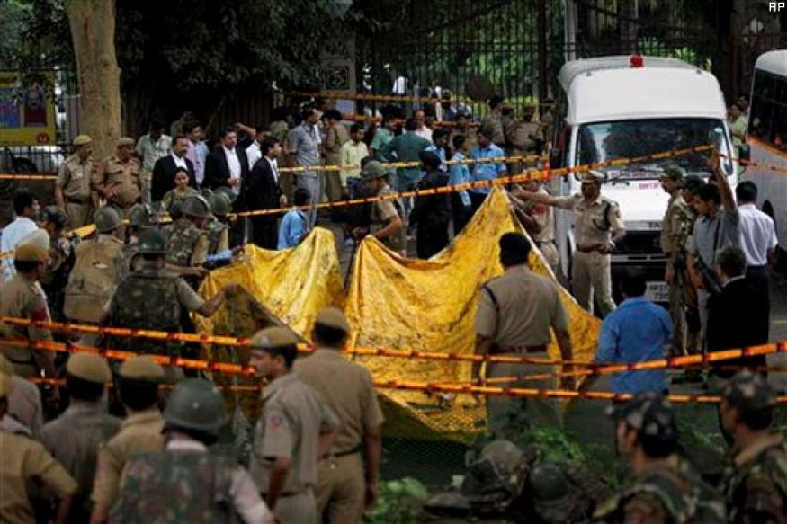 'Give death certificate to Delhi HC blast victim's kin'