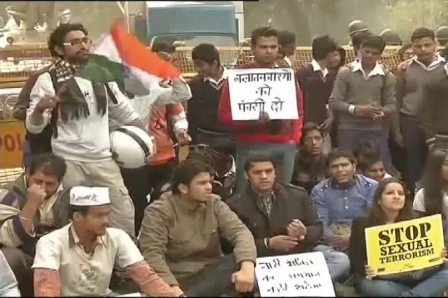 Delhi gangrape protests shift to Jantar Mantar