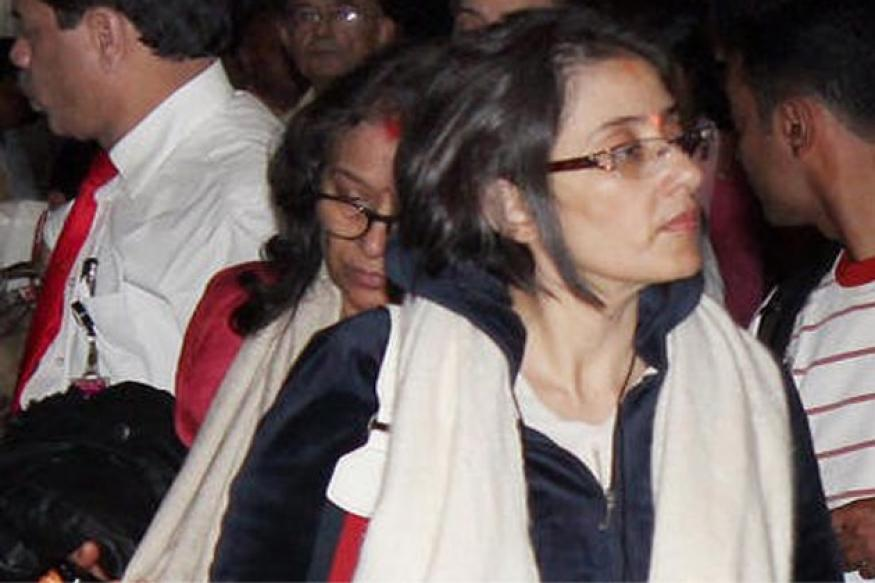 Manisha Koirala discharged from hospital