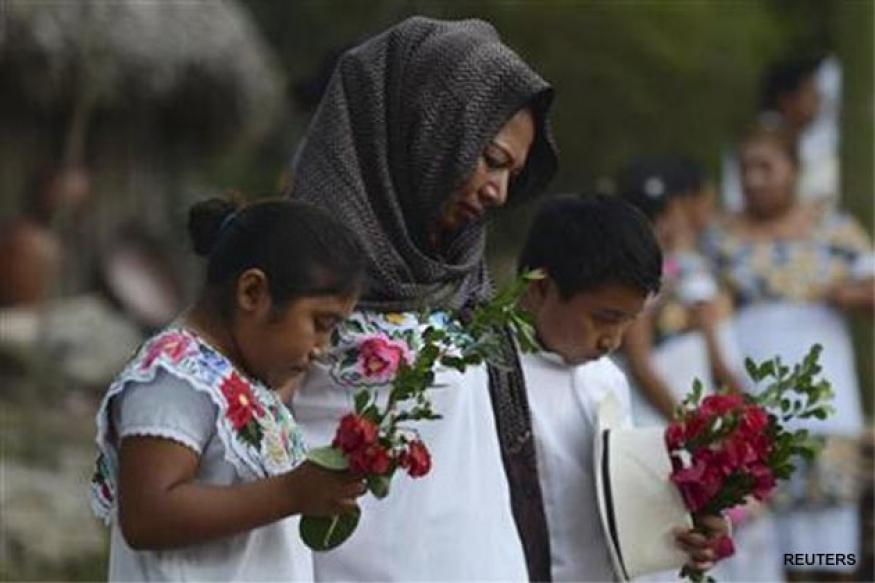 Maya 'end of days' dawns in Mexico, world lives on