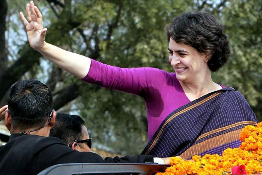 UP: Priyanka Gandhi meets Congress workers