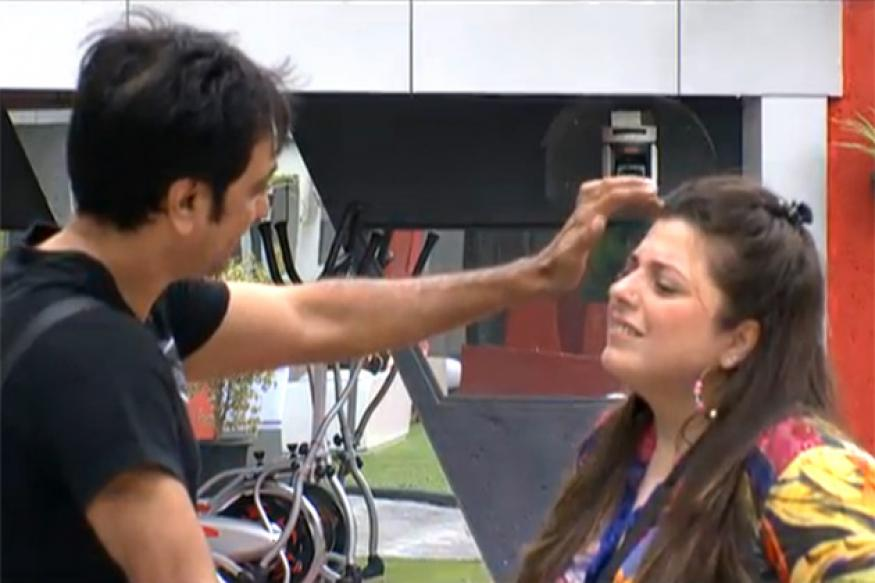 Bigg Boss: What's cooking between Rajev and Delnaaz?