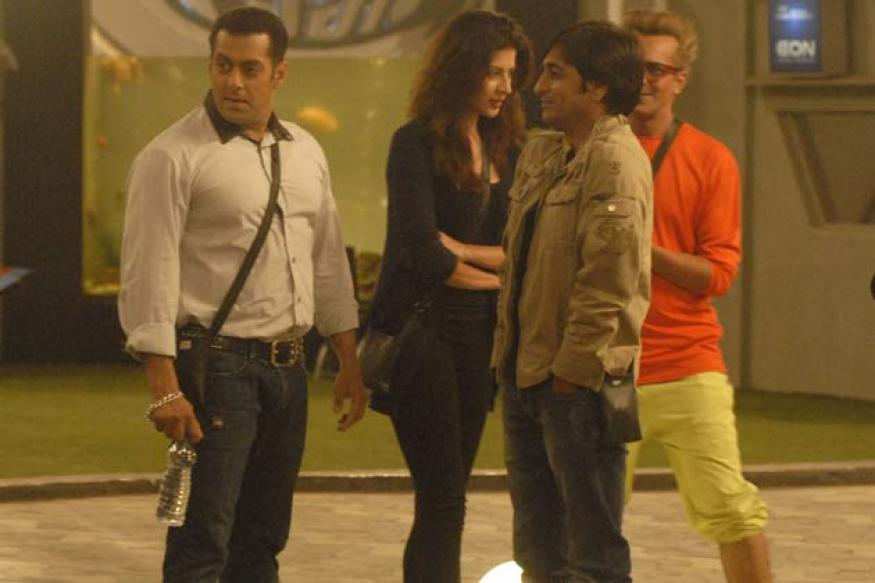 Bigg Boss 6: Salman makes his first visit to the house