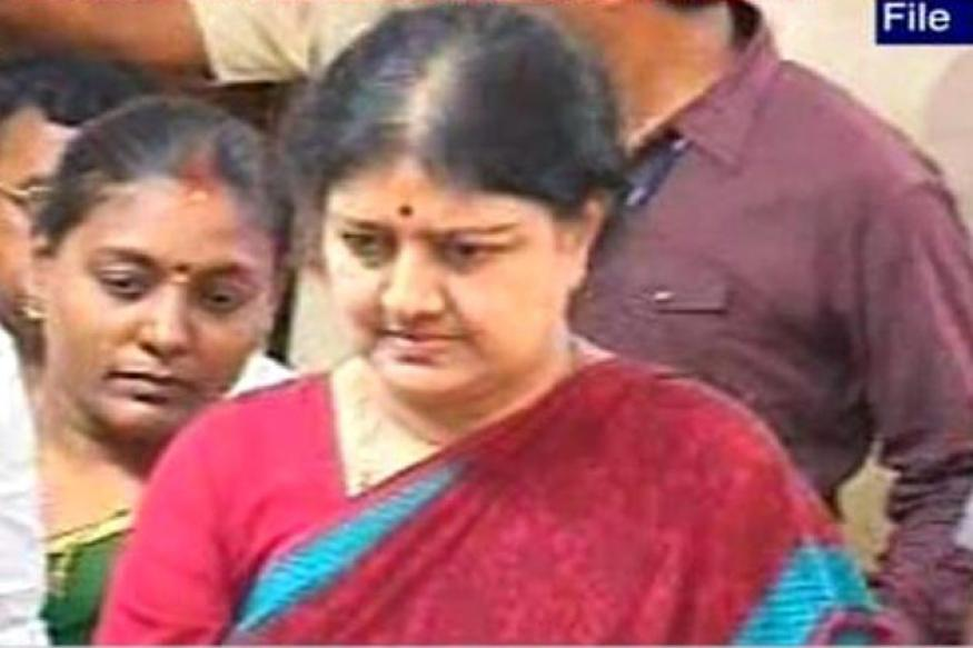Karuna asked me to turn against Jaya, says Sasikala