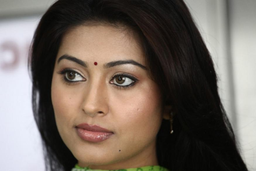 Sneha to play lead role in Prakash Raj's film