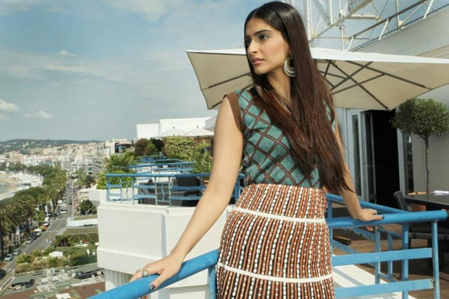 Sonam Kapoor's clothes on auction for charity