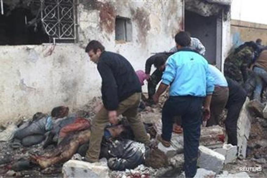 Syria: Air strike kills dozens waiting to buy bread