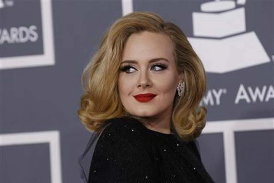 Adele tops best-seller chart for the 2nd time