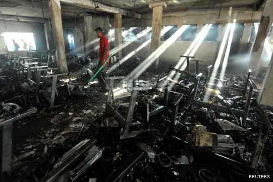 Bangladesh: Fire guts garment factory, six killed