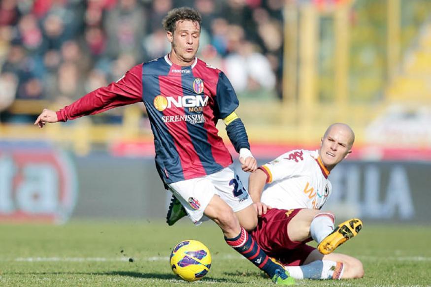 Serie A: AC Milan beat Atalanta 1-0, Napoli win 2-1