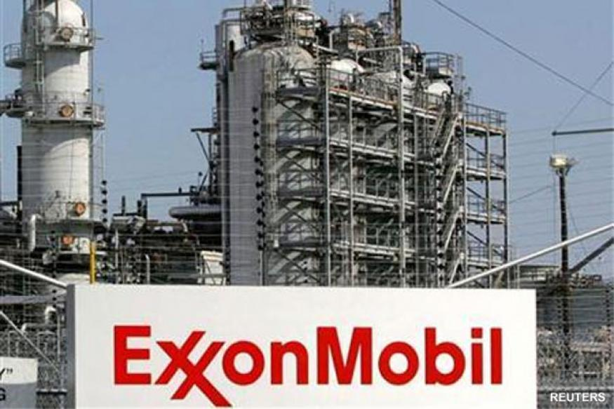 Exxon Mobil overtakes Apple in market value
