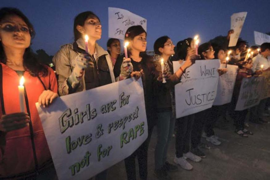 Noida: Students take pledge to protect girls