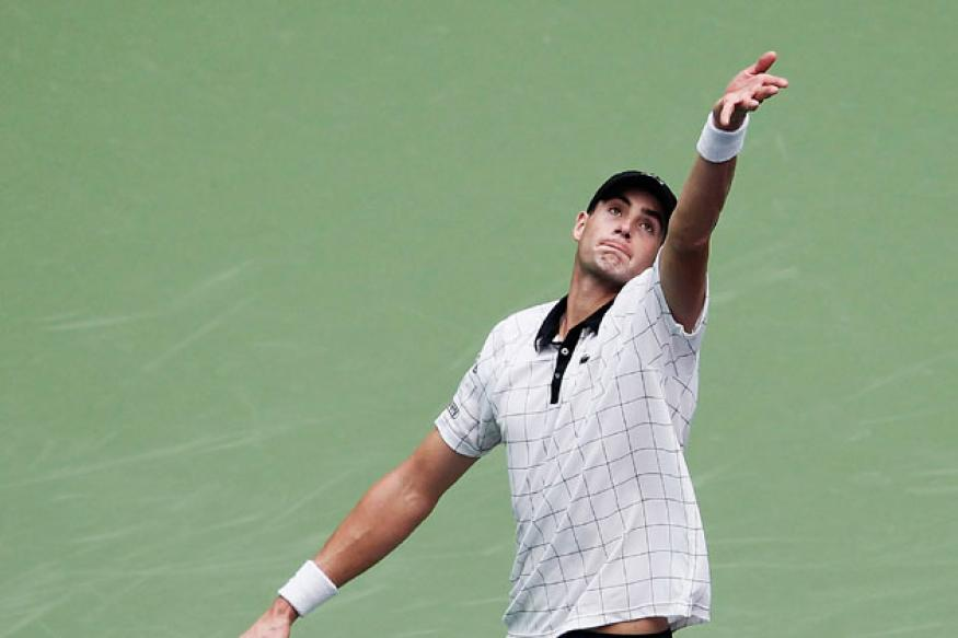 John Isner leaves Hopman Cup with knee injury