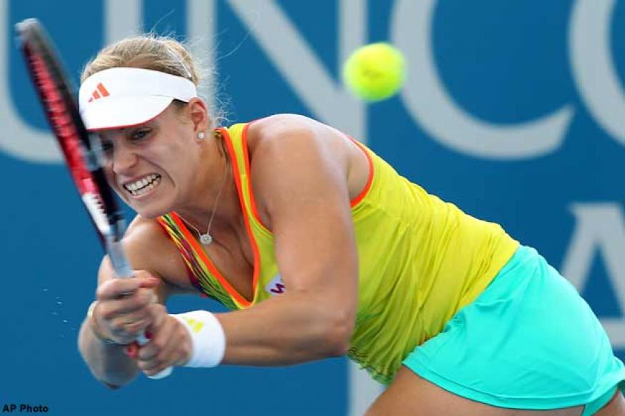 Kerber scrapes through to Brisbane quarter-finals