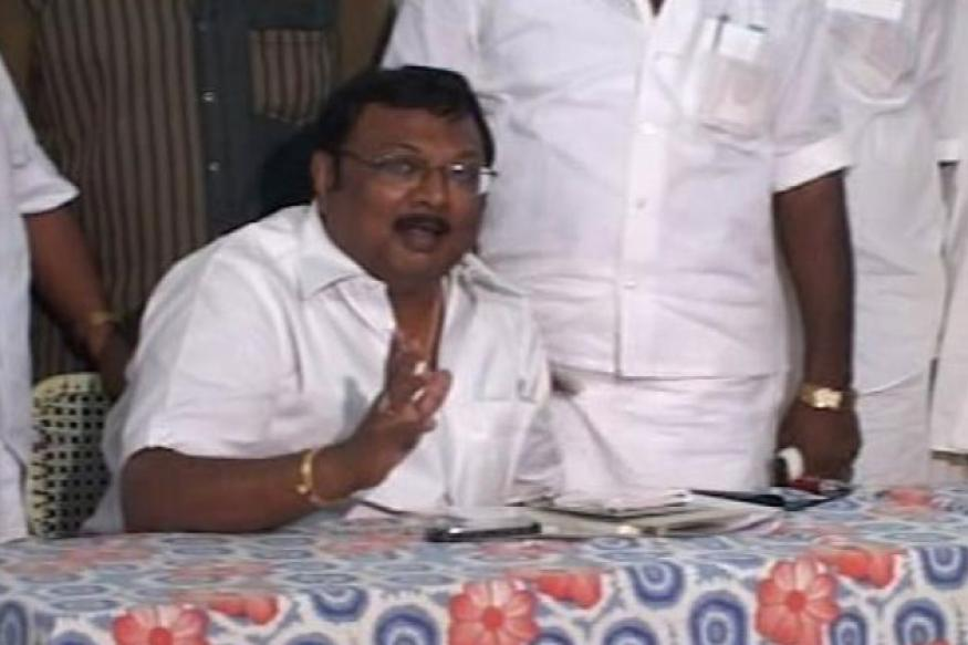 DMK is not stupid to name Karunanidhi's successor: Alagiri