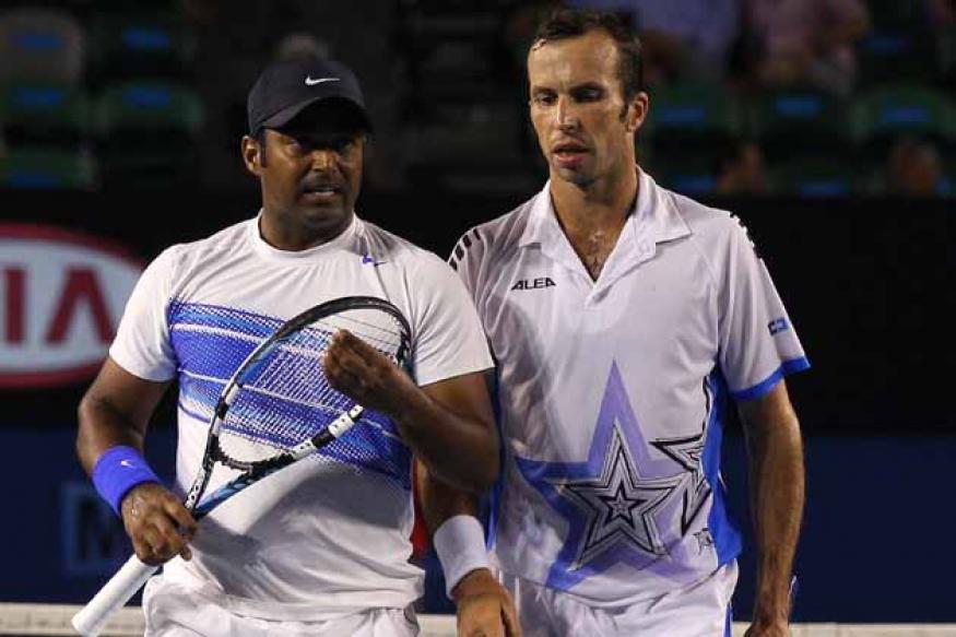 Paes-Stepanek crash out of Australian Open men's doubles