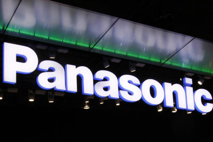 Panasonic shows off ultra-HD OLED TV at CES 2013