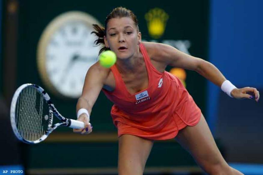 Radwanska wins 13th match in a row, into quarters