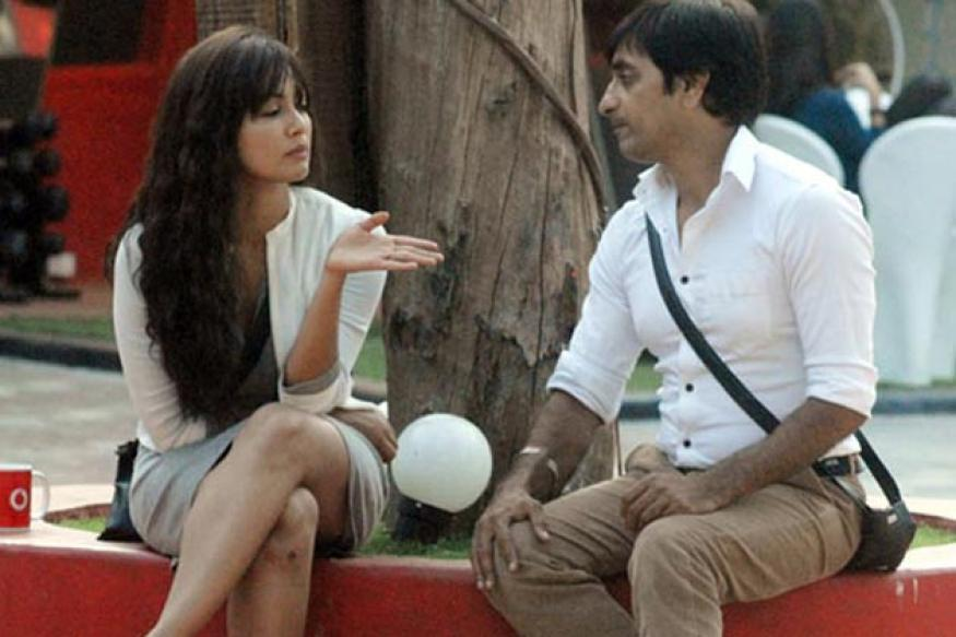 Bigg Boss 6: I did not kiss Sana, says Rajev