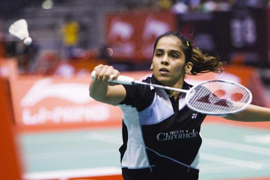 Saina sails into QFs, injured Kashyap crashes out