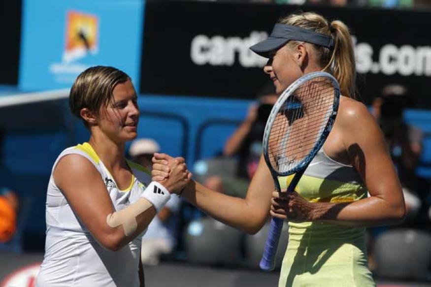 Sharapova vrooms into Australian Open quarters