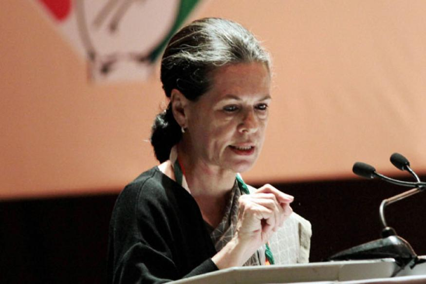 Sonia asks Congress to end ugly display of wealth