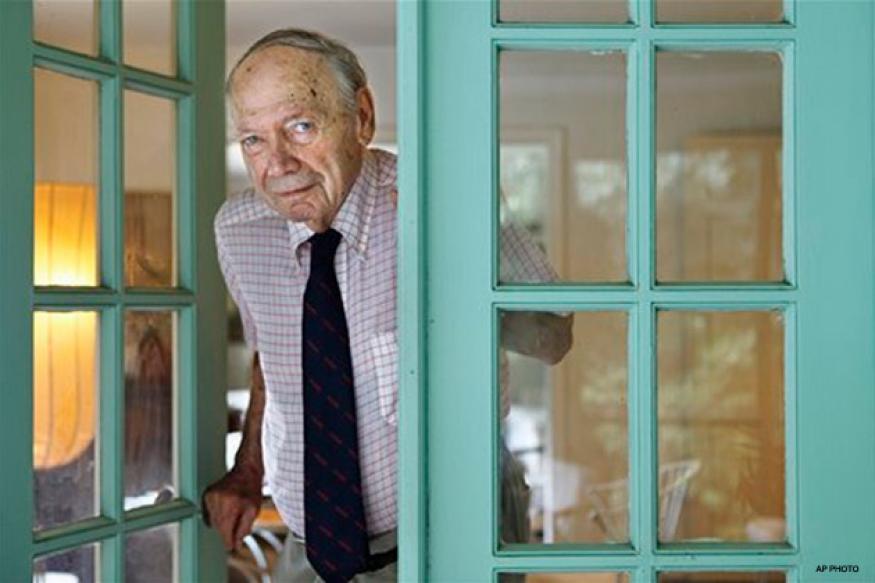 Stanley Karnow, reporter-historian, dies at 87