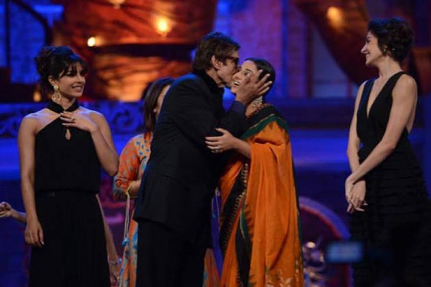 Stardust Awards: Vidya, Priyanka join Big B for  'Jumma chumma'