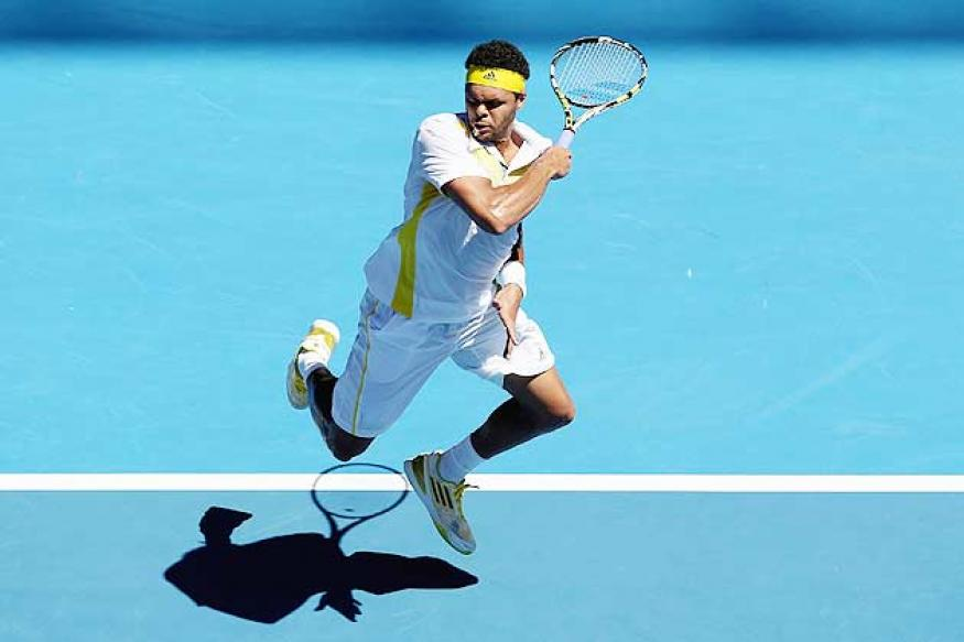 Tsonga beats Llodra in 1st round at Melbourne