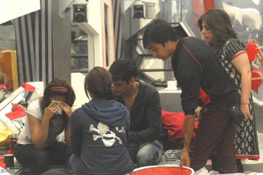 Bigg Boss 6: Is Urvashi's outburst against Imam staged?
