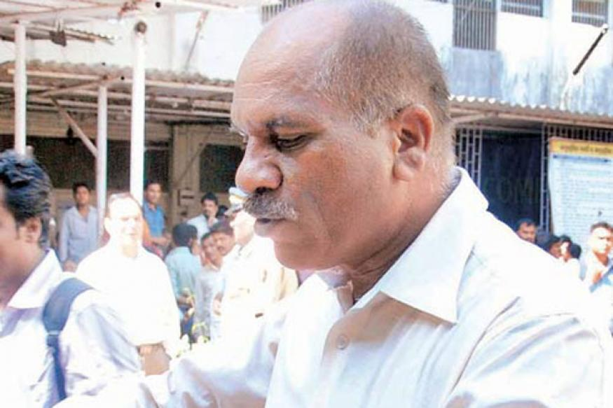 Sena supports Dhoble's eviction drive against hawkers