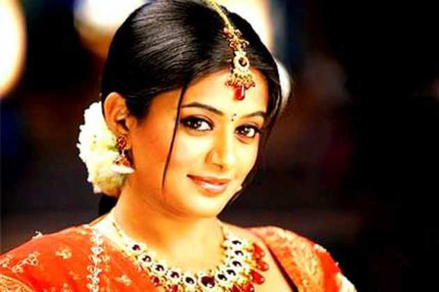 Priyamani to do an item song in 'Chennai Express'