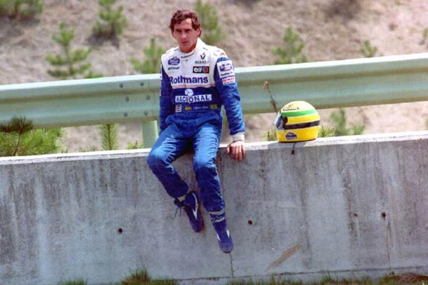 Senna's gloves auctioned for 22,000 pounds
