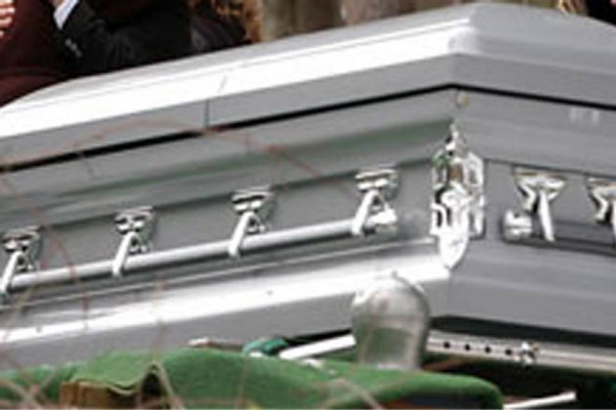 UK: Man finds another woman's body in dead wife's casket