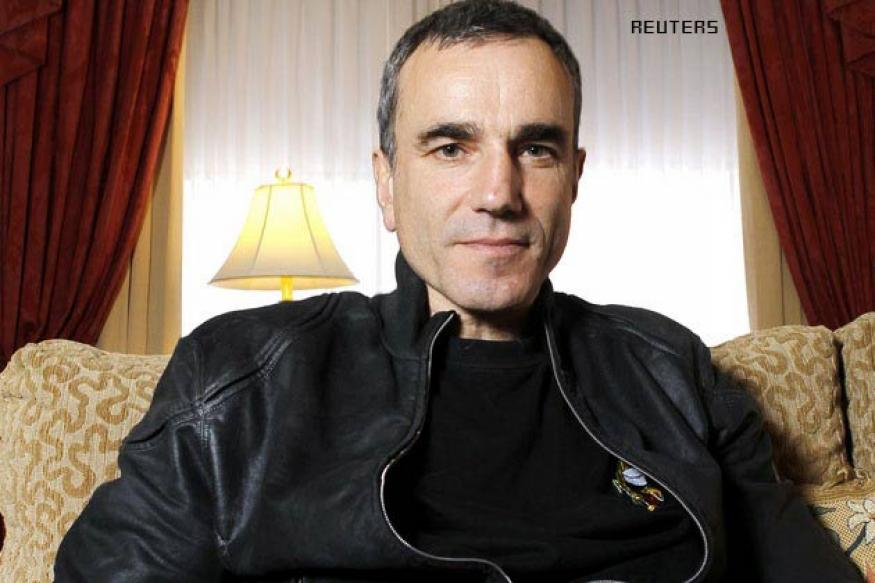 Oscar-nominated Daniel Day-Lewis did a cameo in 'Gandhi'