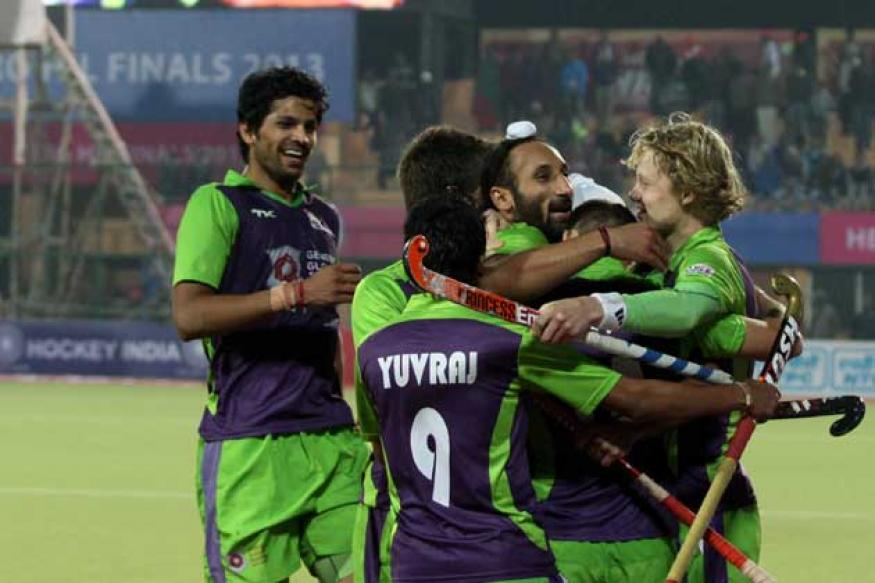Delhi beat Punjab to set up HIL final against Ranchi