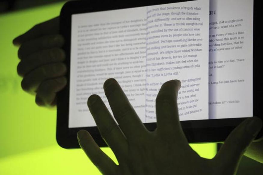 Reading e-books easier than printed versions for older people