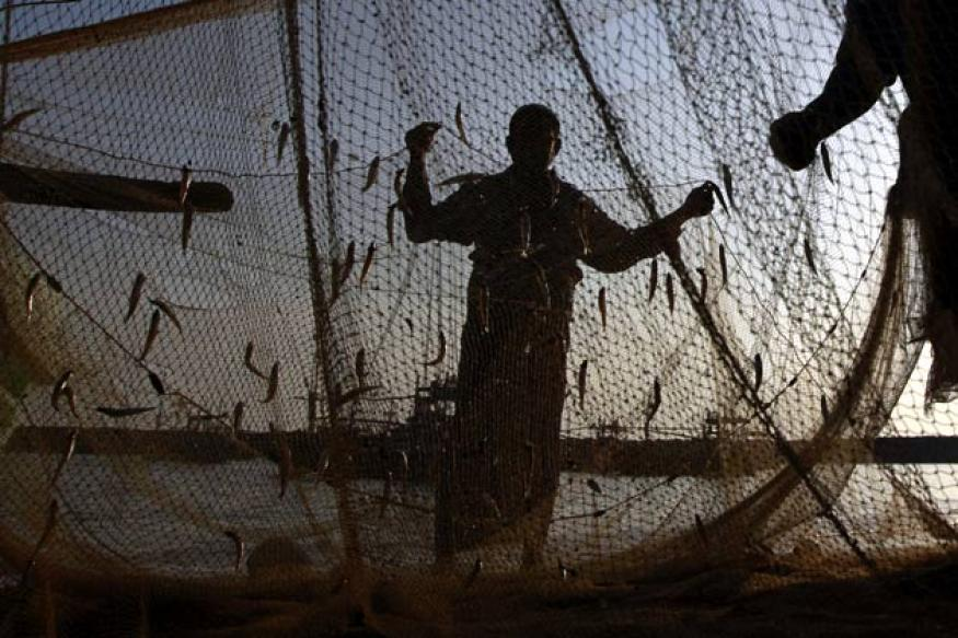 BSF arrests 30 Pakistani fishermen near Padala creek