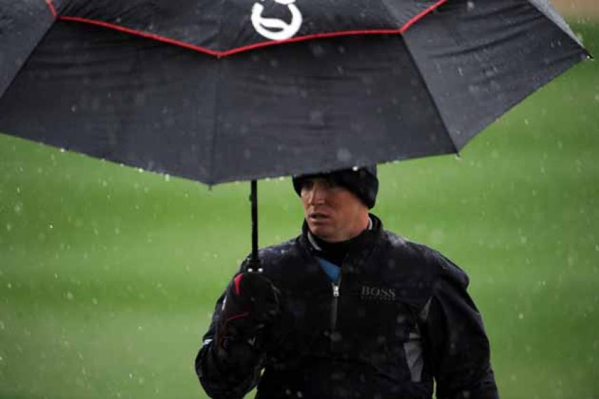 Snow halts opening round at Match Play
