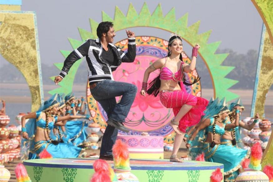 Amit Kumar sings 'Naino mein sapna' in 'Himmatwala' remake