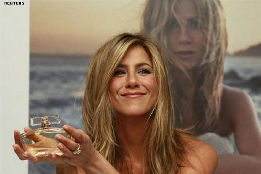 Ewww! Jennifer Aniston gets snake skin pedicures