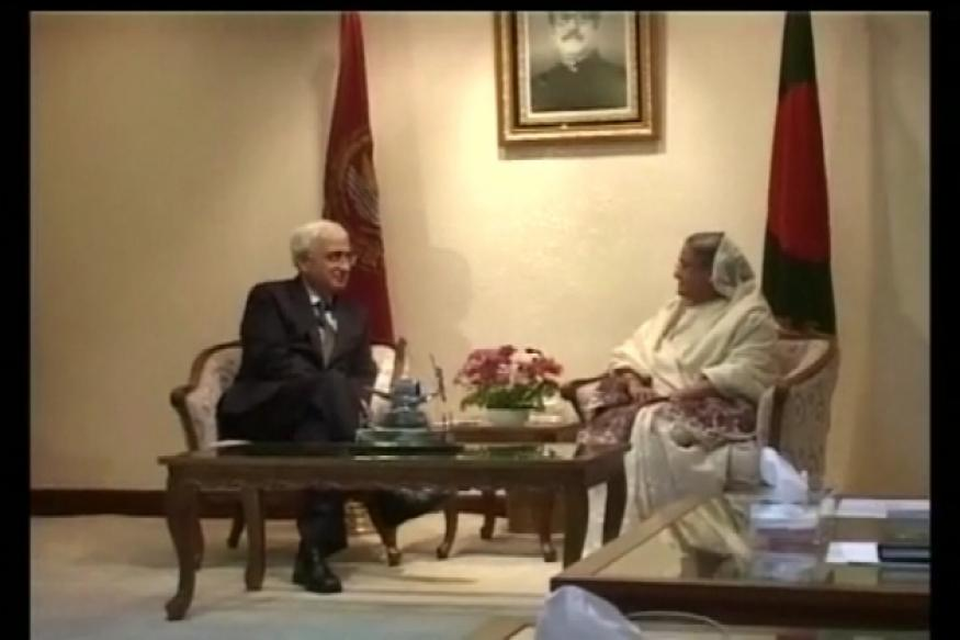 Take 'liberal view' on Teesta issue: Hasina to Khurshid