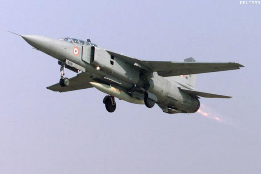 IAF aircraft MiG-27 crashes in Rajasthan, pilot safe