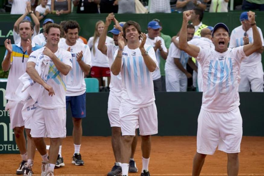 Argentina, France, Serbia make Davis Cup quarters