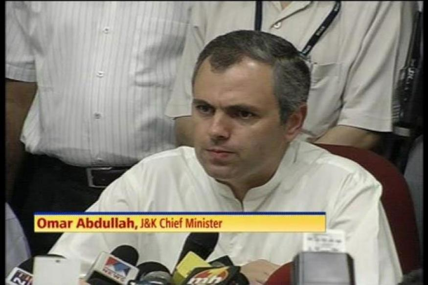 Unresolved Indo-Pak issues hampering J&K growth: Omar