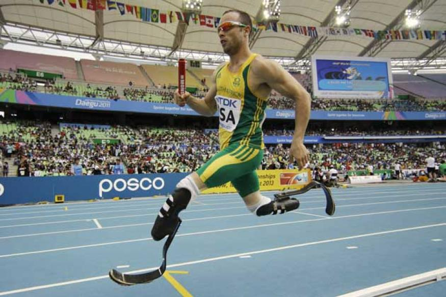 Blade-runner Oscar Pistorius charged with murder of his girlfriend