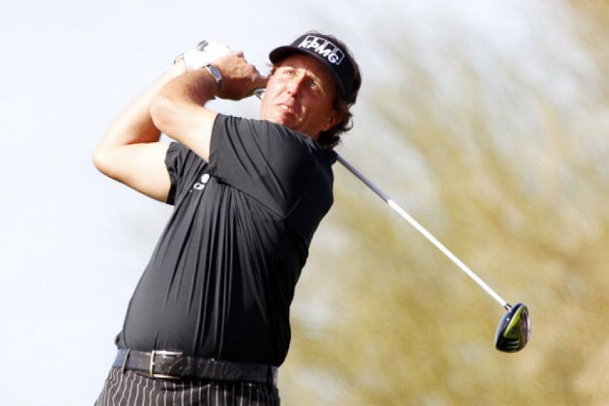 Phil Mickelson shoots 60 at Phoenix Open