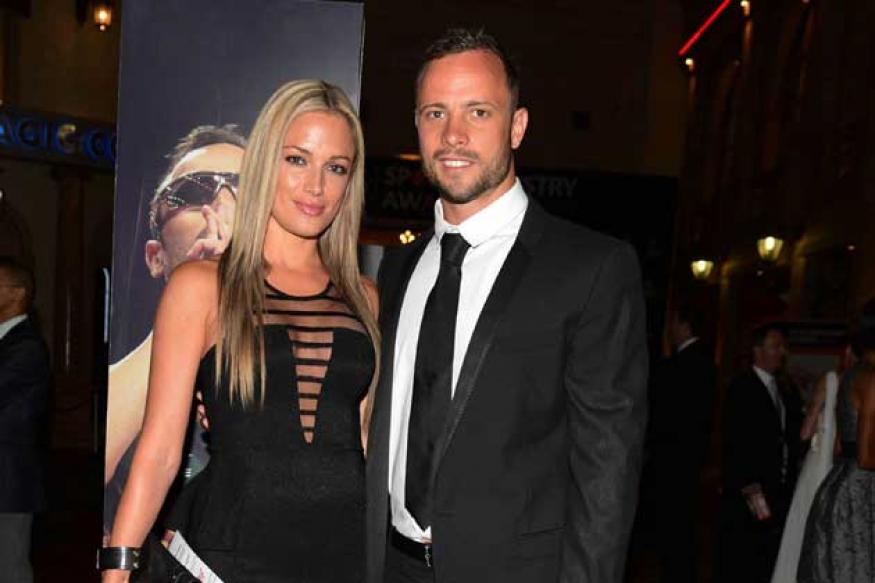 Cricket bat smeared with blood found at Pistorius home: Report