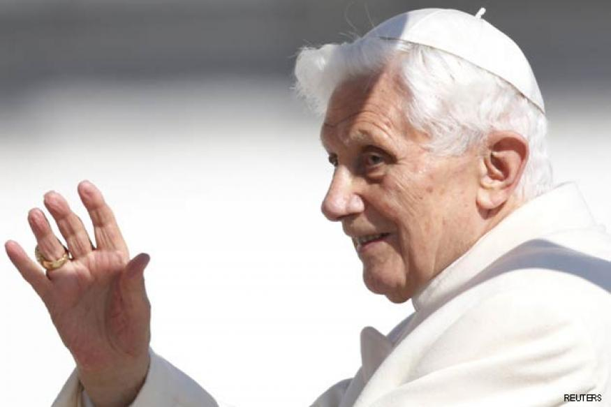 Pope Benedict XVI leaves Vatican City before abdication