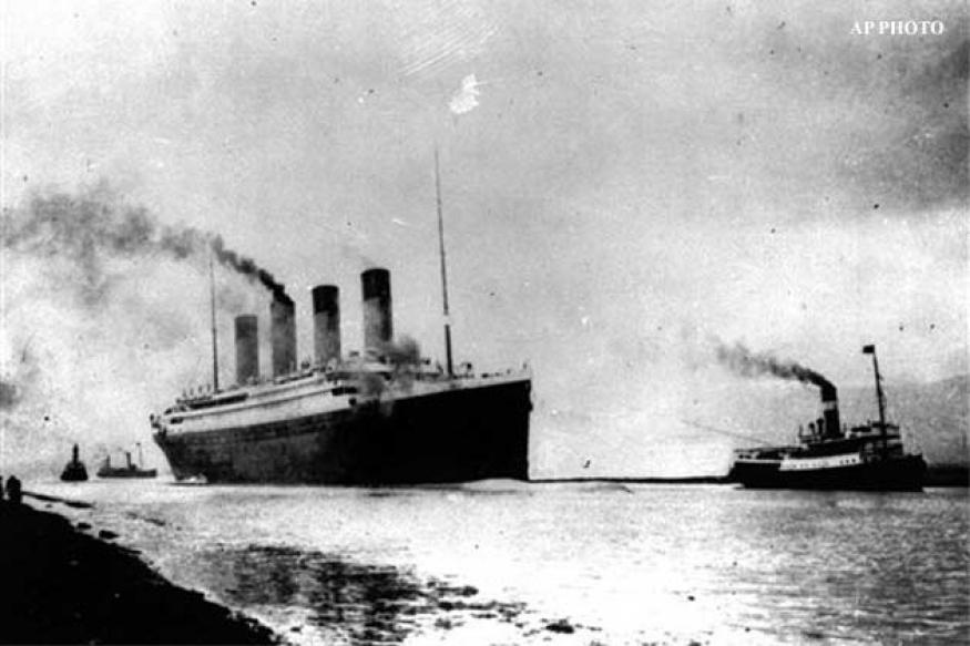 Violin from band that played as Titanic sank to be auctioned